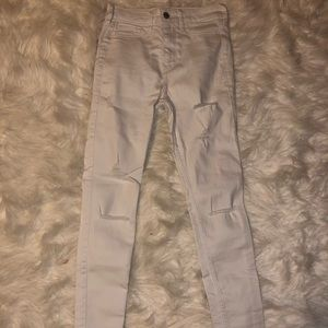 NWOT Hollister white distressed jeans
